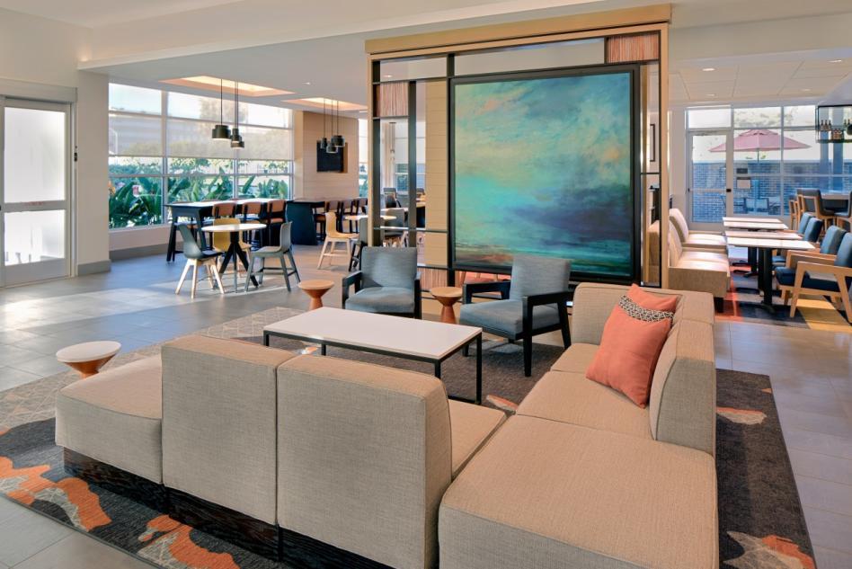 Hyatt House Irvine/John Wayne Airport Lobby