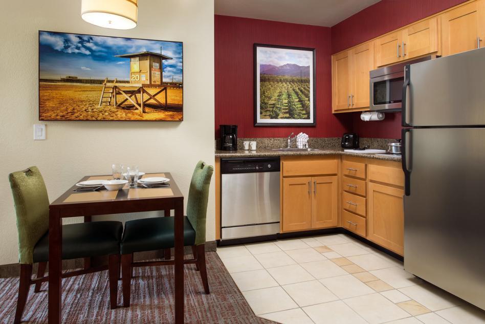 Studio & One-Bedroom Suite Kitchen