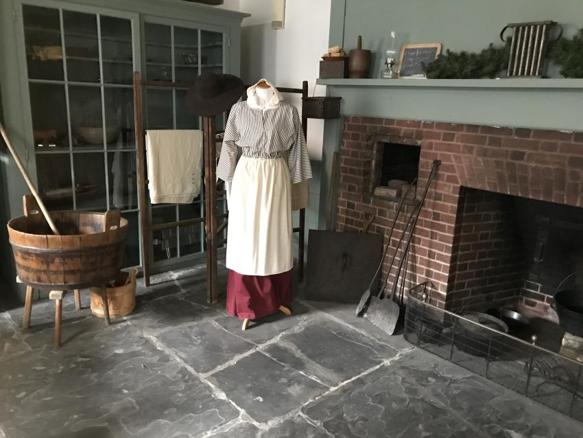 2017-Ontario-County-Historical-Museum-Interior-fireplace