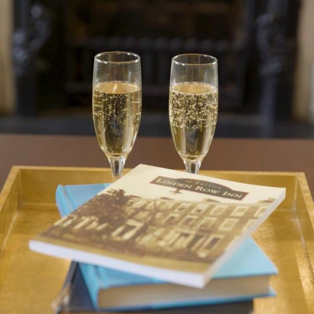 Champagne & Books