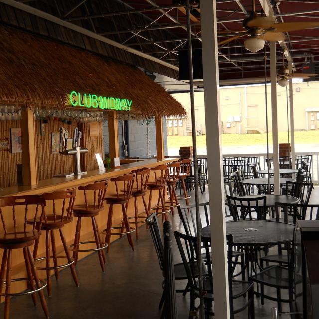 Club Midway Tiki Bar ( Outside )