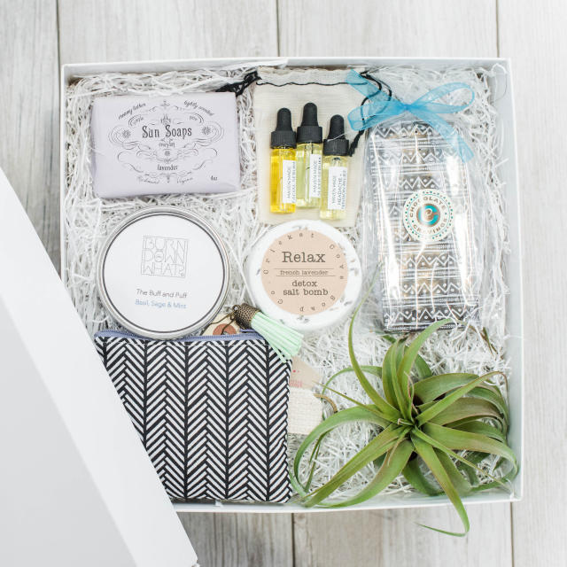 The Chic Gift Box