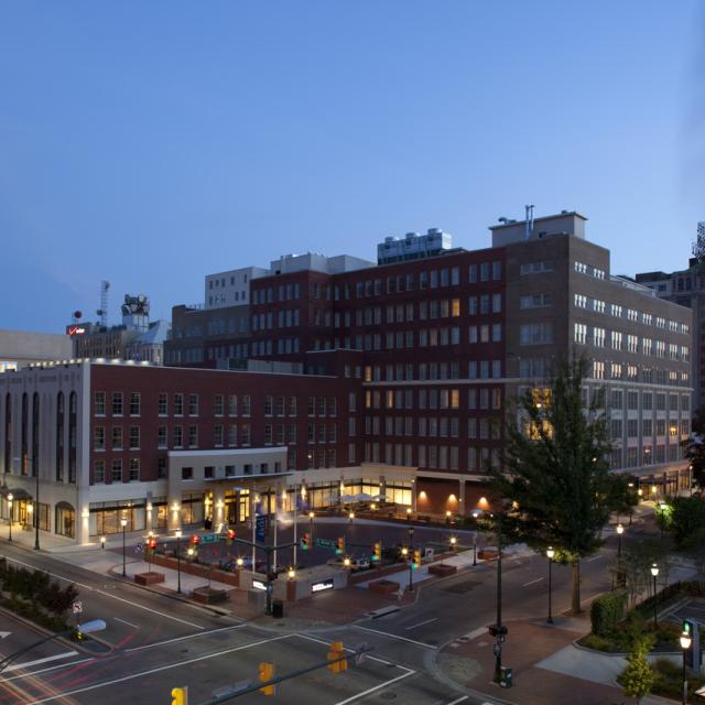 Hilton Garden Inn Downtown Richmond Hotel at dusk