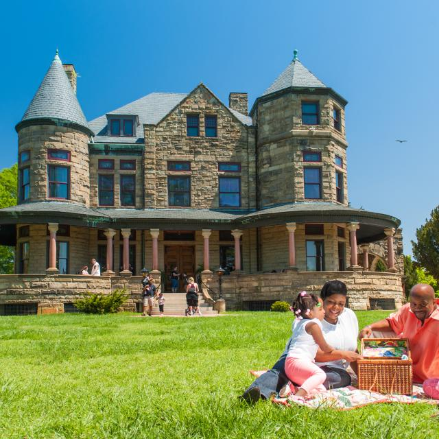 Maymont Mansion Picnic