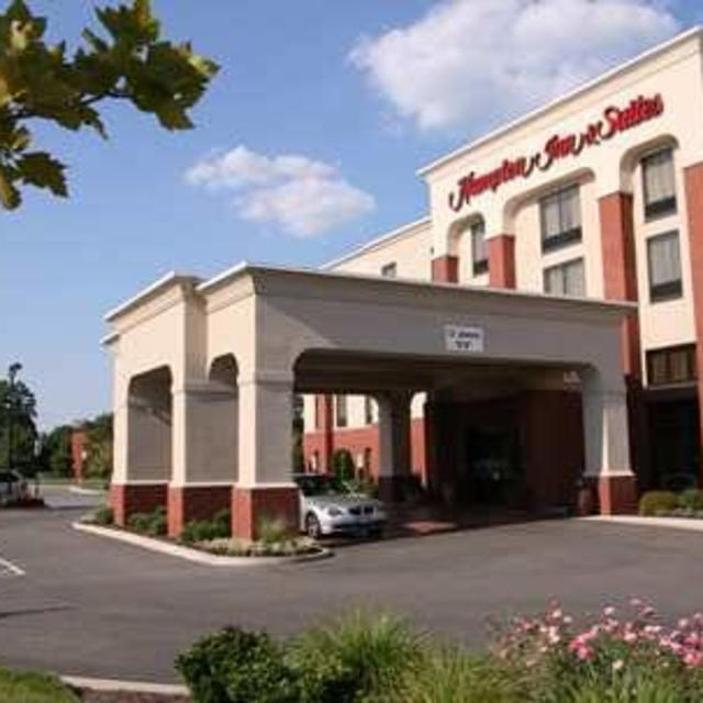 Hampton Inn and Suites Va Center Commons