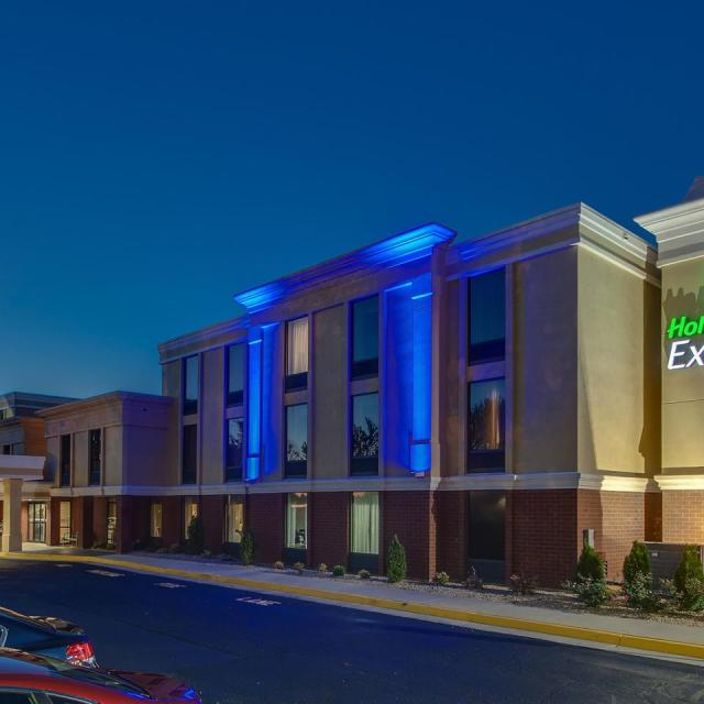 NEW Holiday Inn Express Midlothian