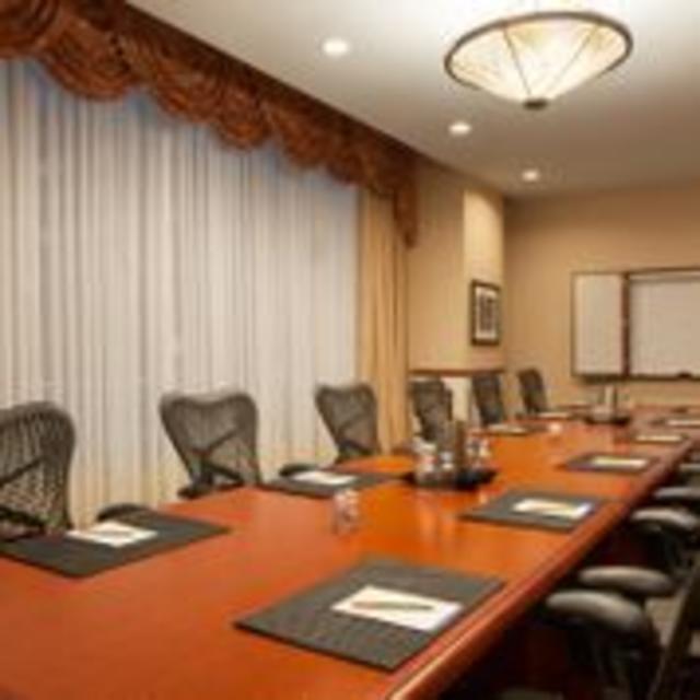 Hilton Garden Inn Downtown Richmond Hotel Boardroom