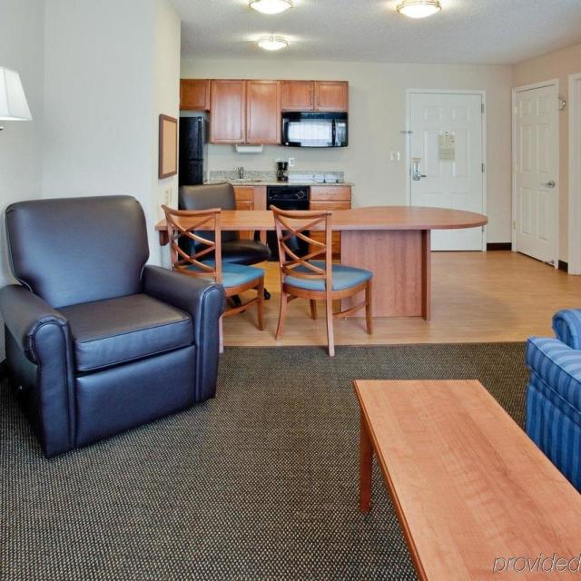 NEW Candlewood Suites Colonial Heights