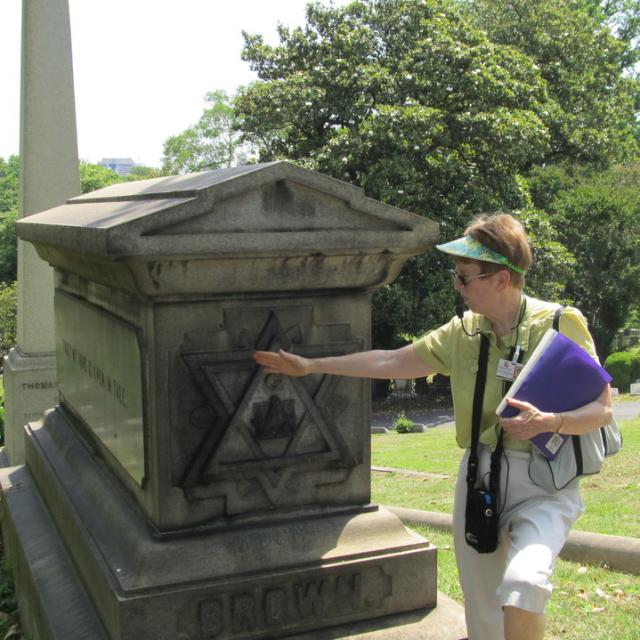 Guided tours of Hollywood Cemetery are offered daily.