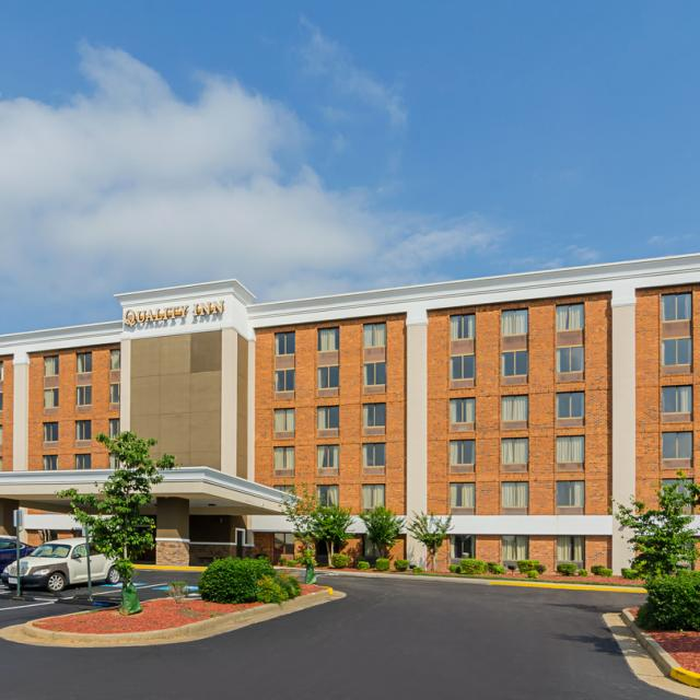 Quality Inn West End Exterior