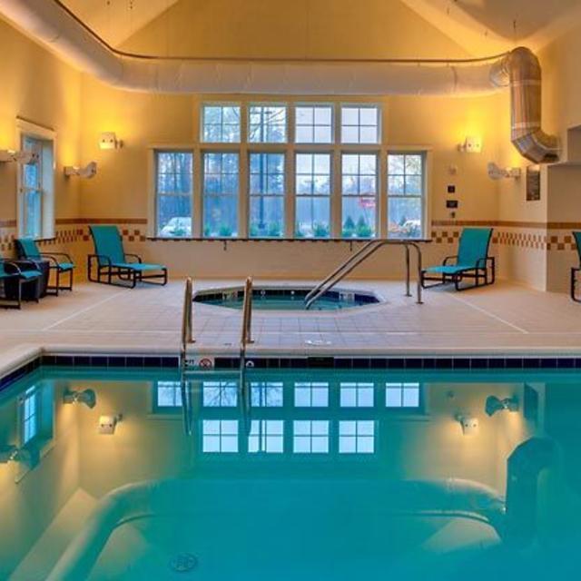 Residence Inn Chester Pool