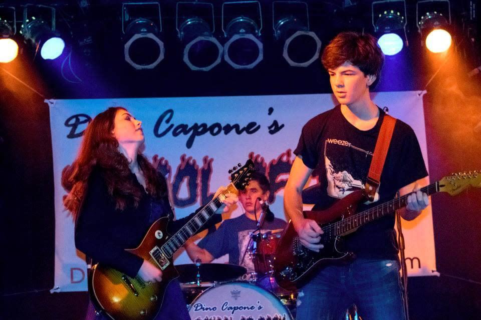 Dinos School of Rock