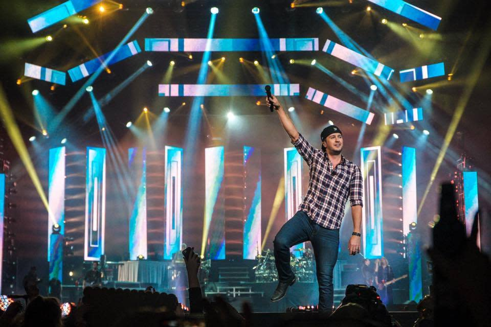 Luke Bryan at Usana Ampitheatre