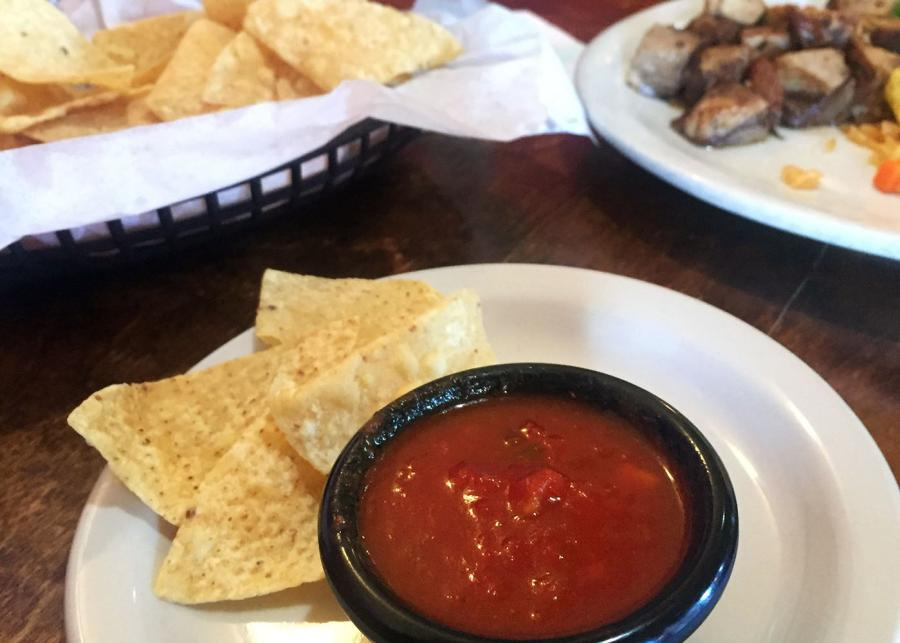 Photo of chips and salsa at Mercado Juarez