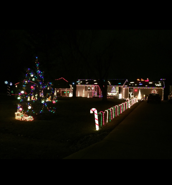 Kentland Avenue Christmas Lights Display - Fort Wayne, IN