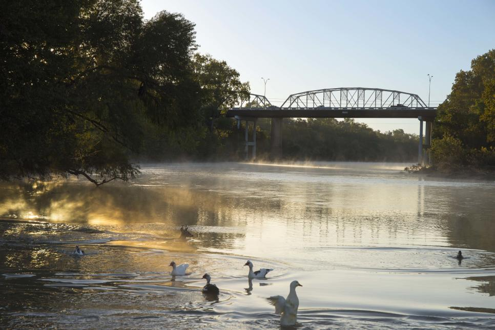 Bastrop_Downtown_Bridge_Morning