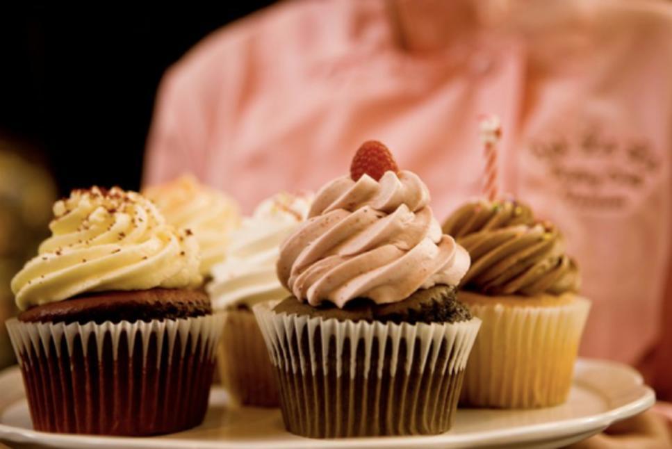 Ooh La La Cupcake Tray