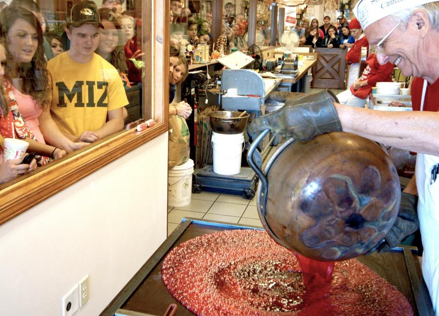 Visitors watching candy creations during a Schimpff's Tour