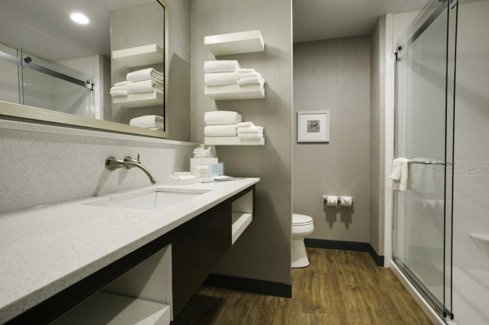 hanmpton bathroom