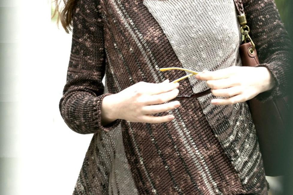 GE Knits Asym Pullover