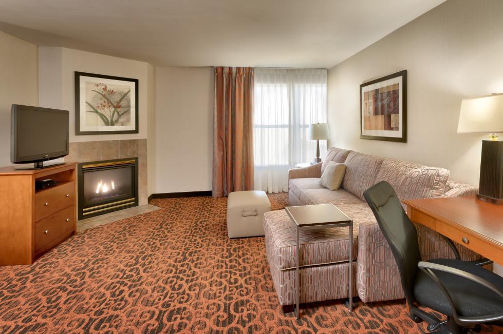Double Queen Suite Living Room