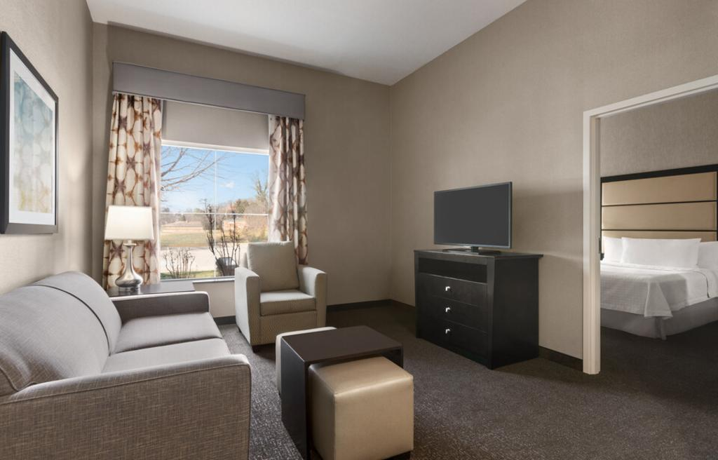 HOMEWOOD SUITES BY HILTON King One Bedroom