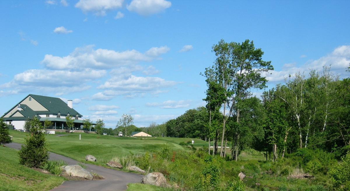 Raven's Claw Golf Club Hotel 18