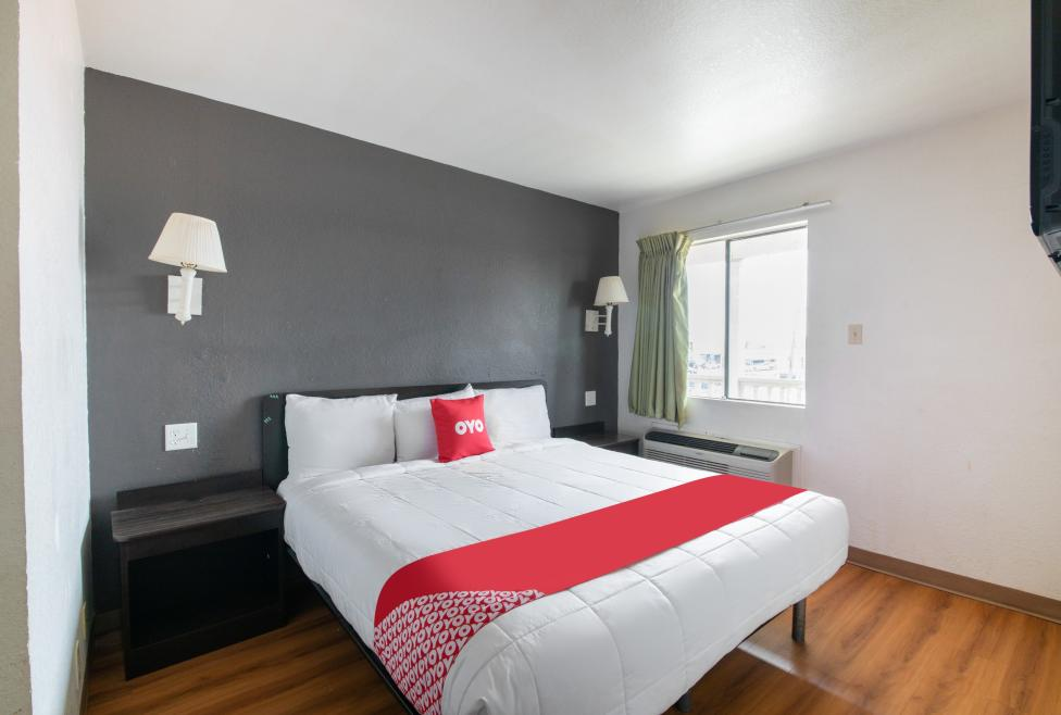 OYO Room 2