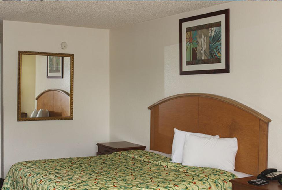 Delux Inn Room