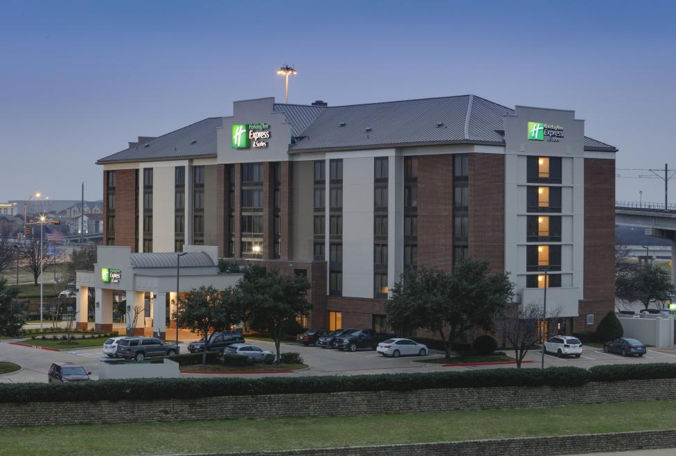 Welcome to Holiday Inn Express & Suites - Irving Convention Center Las Colinas