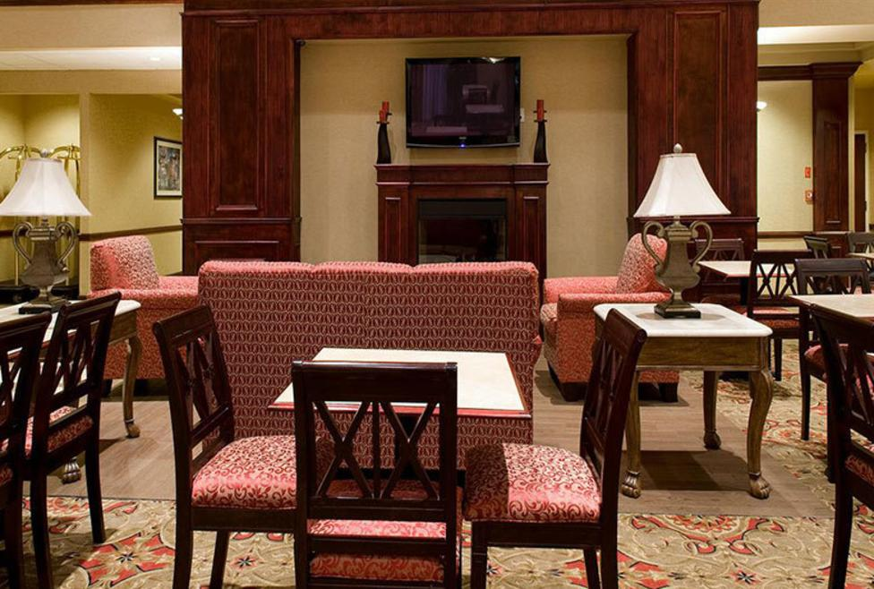 Holiday Inn Express Hotel & Suites - DFW Airport South - Lobby