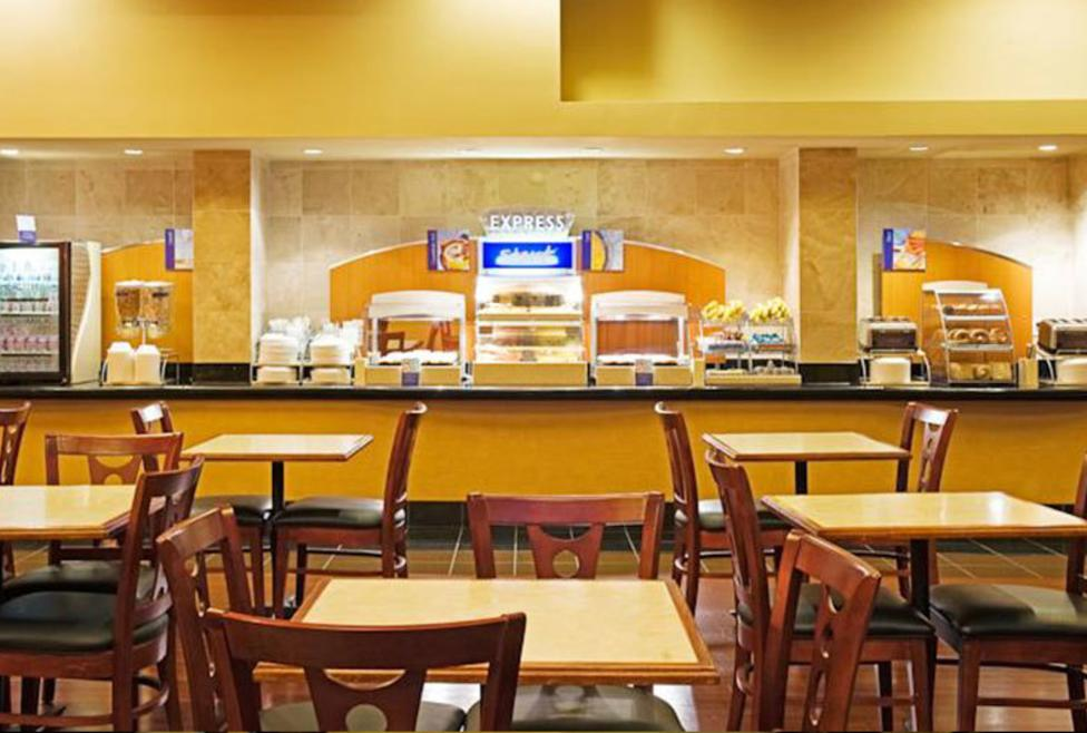 Holiday Inn Express Hotel & Suites - DFW Airport North - cafe