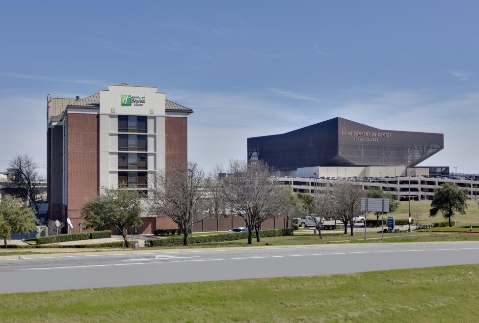 Holiday Inn Express & Suites - Irving Convention Center