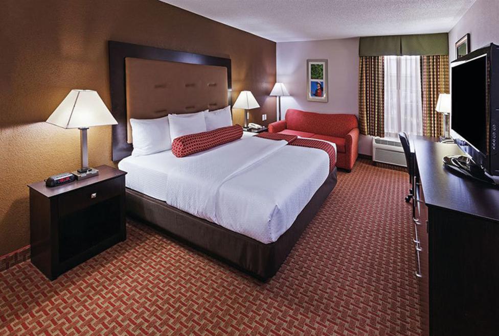 La Quinta Inn Hotel & Suites - Las Colinas - king