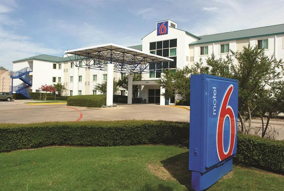 Motel 6 DFW North - Exterior