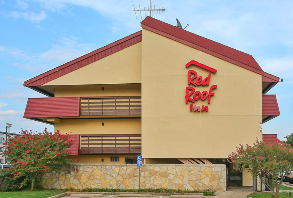 Red Roof Inn Exterior New