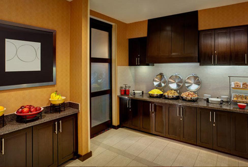 Residence Inn DFW South - breakfast