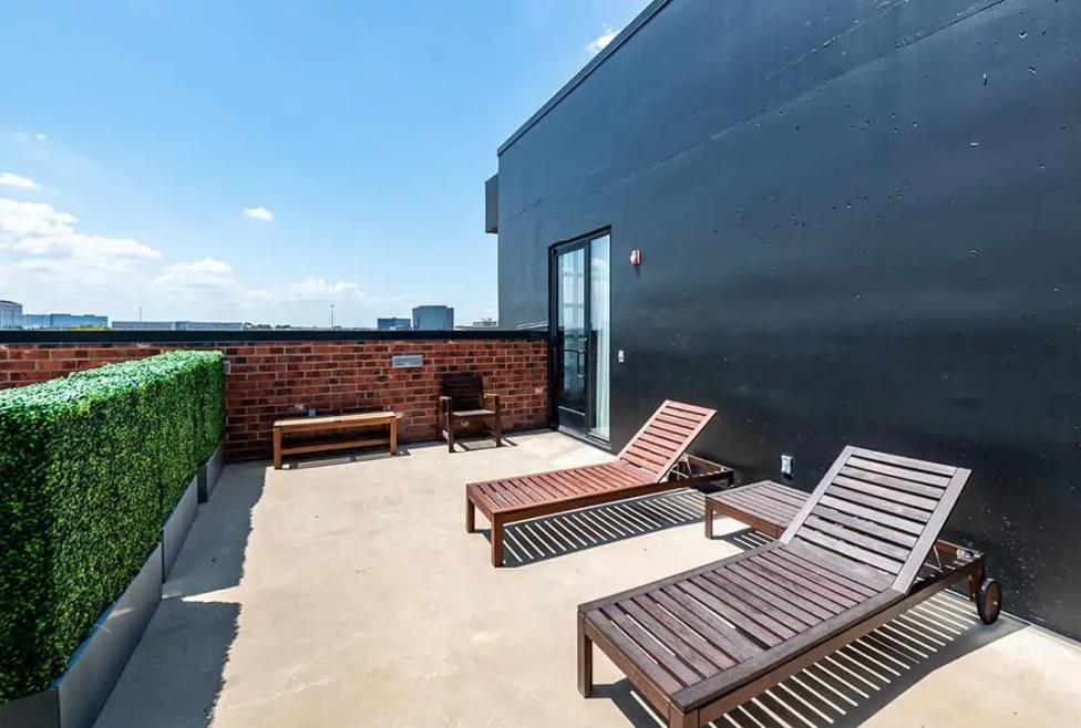 Skyline Suite Terrace