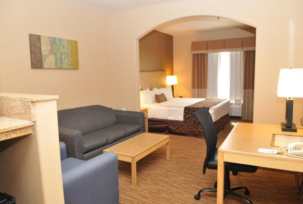 Best Western Plus Irving Suite