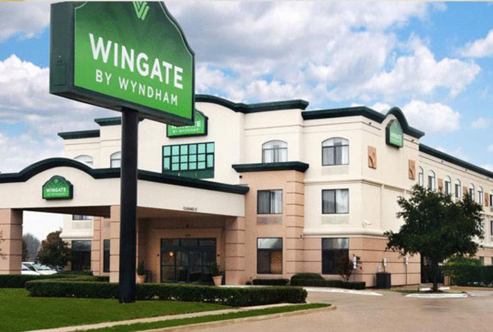 Wingate DFW North - Exterior