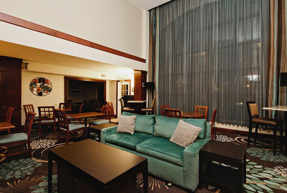 Staybridge Las Colinas - lobby