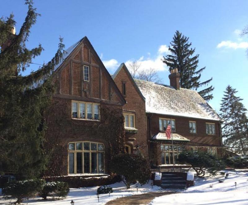 English Inn winter
