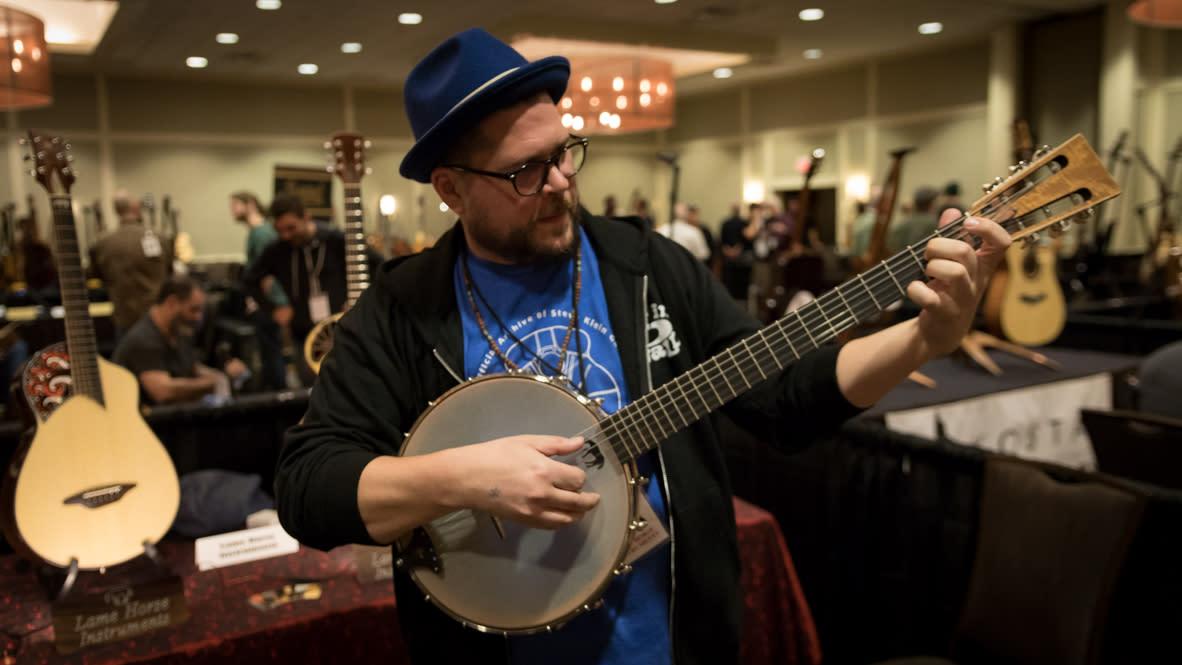 Artisan Guitar - Banjo
