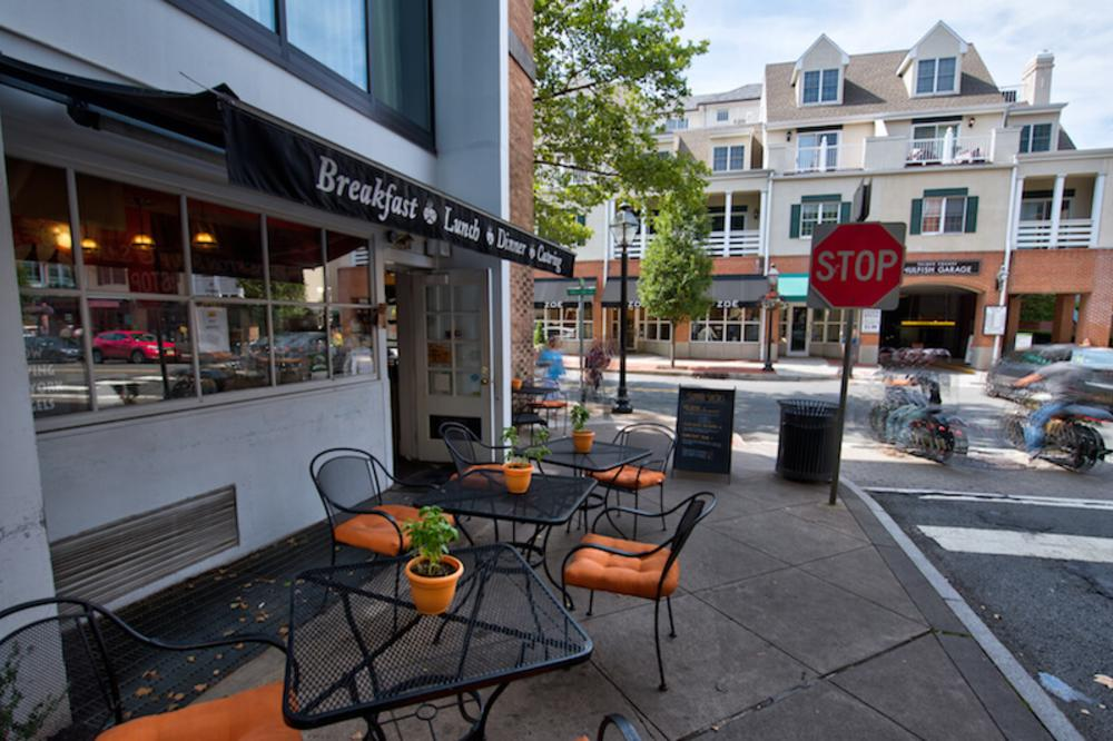 Outdoor Seating at the Princeton Soup and Sandwich Company