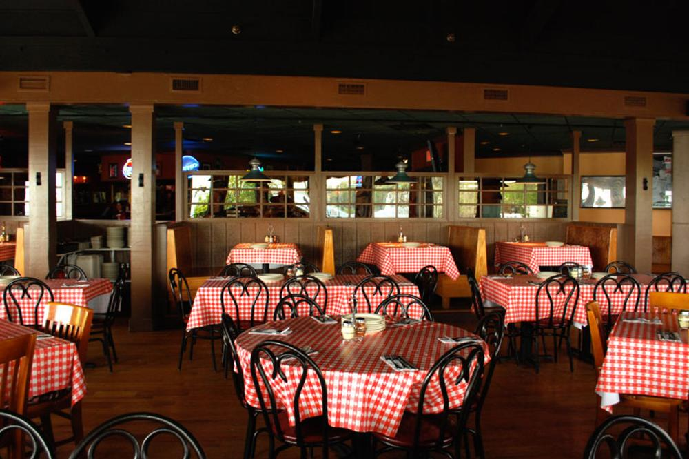 deck-dining.jpg