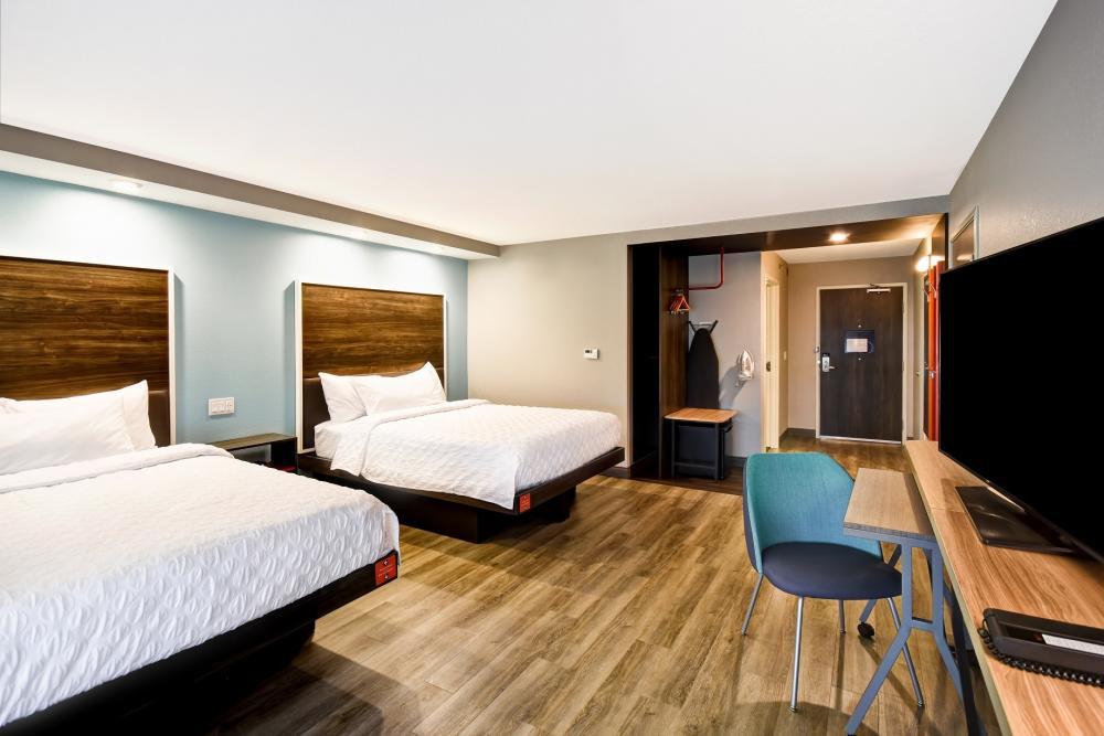 Tru by Hilton ADA room