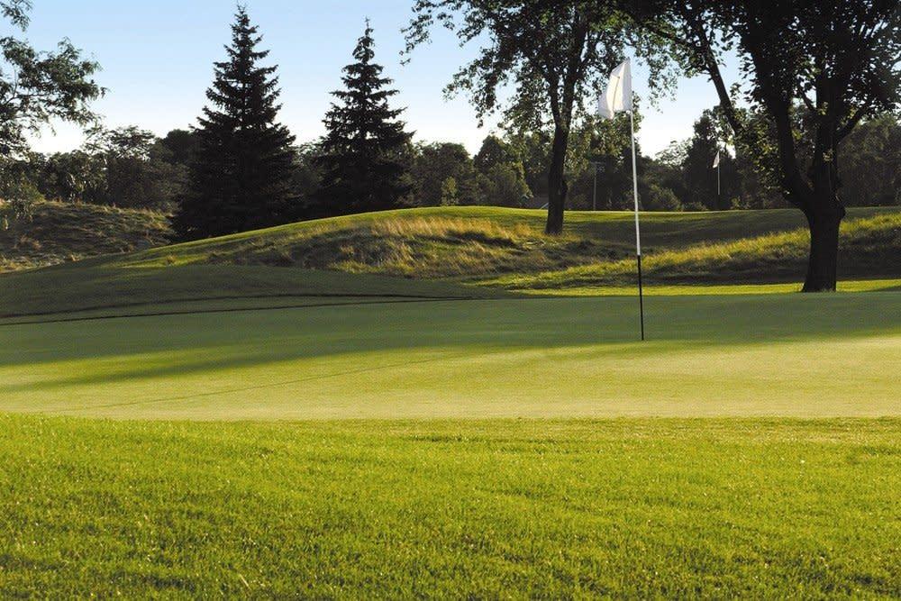 Oshkosh Golf Course Outdoors Summer