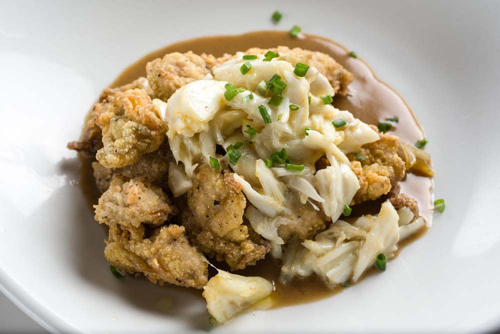121 Artisan Bistro's Flash Fried Oysters with lump crabmeat