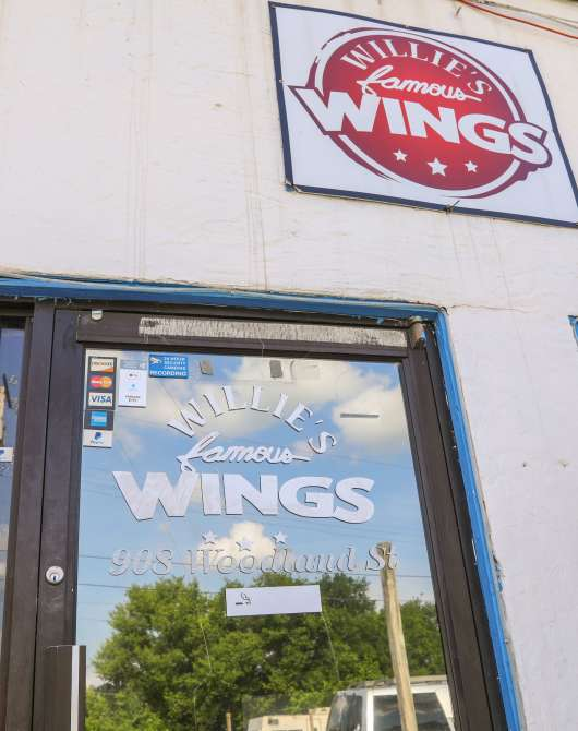 Willie's Famous Wings