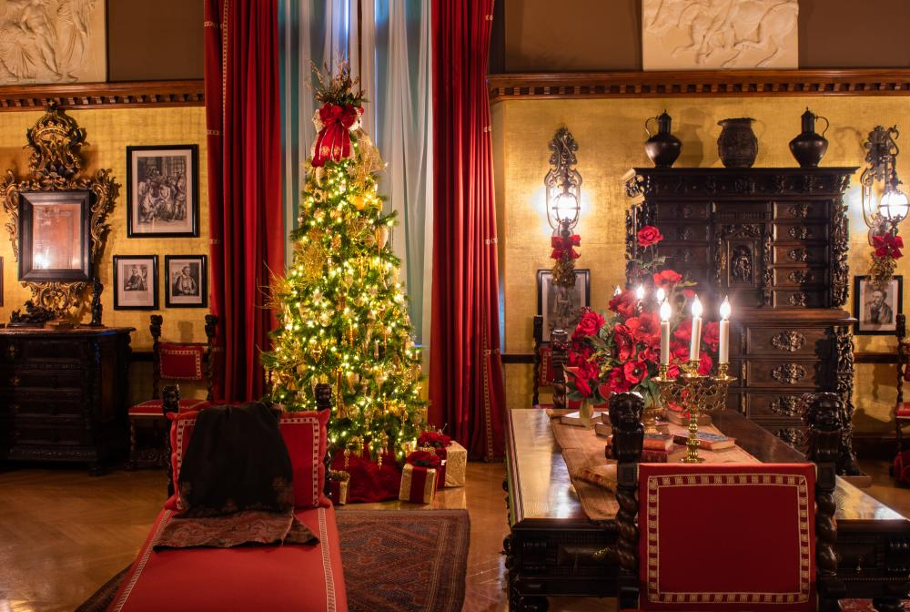 Mr. Vanderbilt's Bedroom decorated for Christmas at Biltmore.